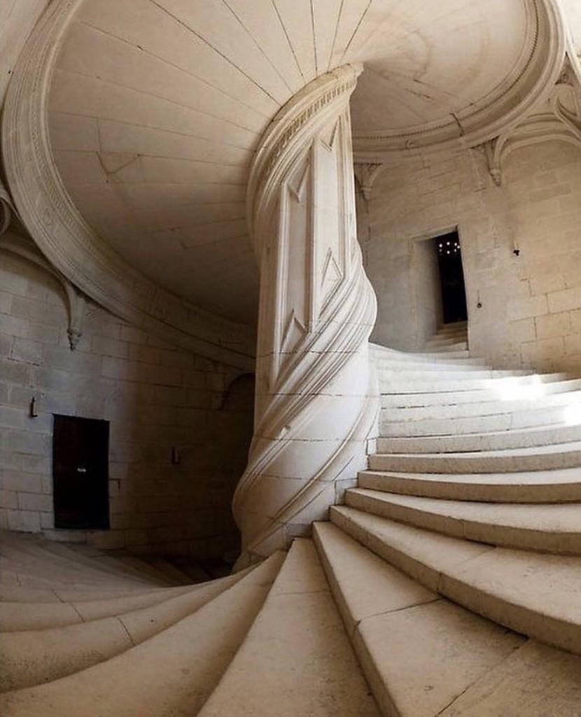 Leonardos-stairs